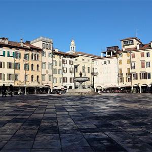 Piazza Giacomo Matteotti (Udine)